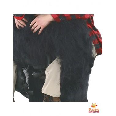 Détails mascotte à dos de gorille